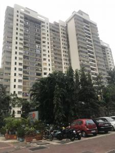 Gallery Cover Image of 1560 Sq.ft 3 BHK Apartment for rent in Kandivali East for 60000