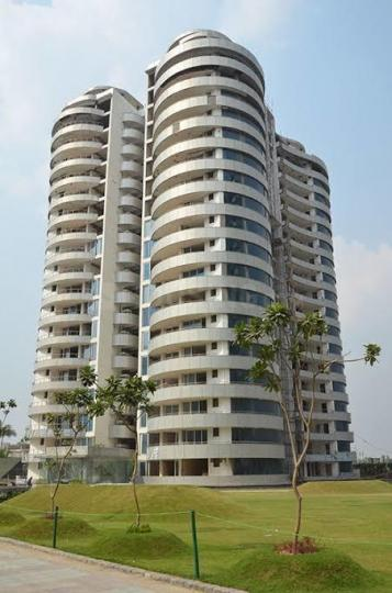 Building Image of 4150 Sq.ft 4 BHK Apartment for rent in Omaxe The Forest Spa, Sector 93B for 85000