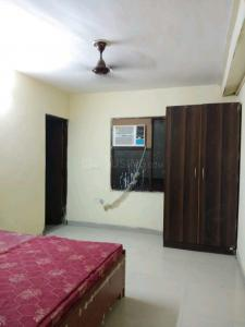 Gallery Cover Image of 750 Sq.ft 2 BHK Apartment for rent in Raju Apartment, Rangpuri for 16000