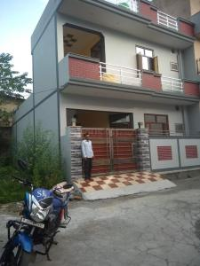 Gallery Cover Image of 1450 Sq.ft 3 BHK Independent House for buy in Pithuwala Kalan for 5200000