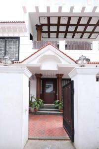 Gallery Cover Image of 3500 Sq.ft 5 BHK Independent House for rent in Korattur for 110000