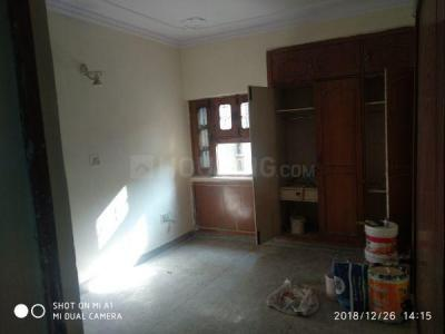 Gallery Cover Image of 1500 Sq.ft 3 BHK Apartment for rent in Vikaspuri for 20000
