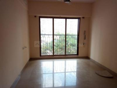 Gallery Cover Image of 620 Sq.ft 2 BHK Apartment for buy in Thane West for 9000000