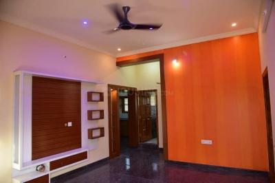 Gallery Cover Image of 600 Sq.ft 2 BHK Villa for buy in Krishnarajapura for 3900000