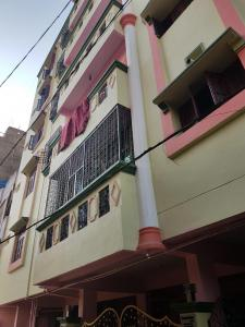 Gallery Cover Image of 1200 Sq.ft 3 BHK Apartment for rent in Amberpet for 19000