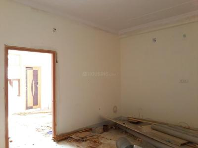 Gallery Cover Image of 900 Sq.ft 2 BHK Apartment for buy in Shastri Nagar for 2500000