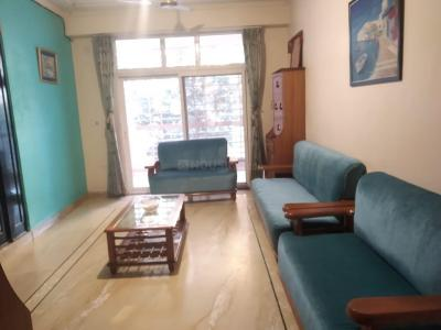 Gallery Cover Image of 1700 Sq.ft 3 BHK Apartment for rent in Mahagun Mansion Phase 1 and 2, Vaibhav Khand for 20000