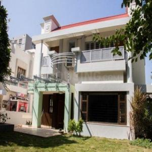 Gallery Cover Image of 5850 Sq.ft 5 BHK Villa for buy in NG Ashwaraj Bungalows, Prahlad Nagar for 65000000