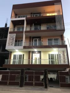 Gallery Cover Image of 1680 Sq.ft 3 BHK Independent Floor for buy in Sector 57 for 12000000