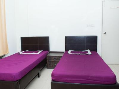 Gallery Cover Image of 1300 Sq.ft 3 BHK Independent Floor for buy in Vasundhara for 5998000