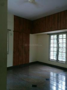 Gallery Cover Image of 1400 Sq.ft 2 BHK Apartment for rent in Velachery for 24000