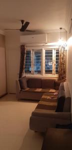 Gallery Cover Image of 1125 Sq.ft 2 BHK Apartment for buy in Shree Ami Vrundavan Apartments, Vastrapur for 7000000