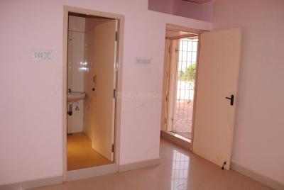 Gallery Cover Image of 2000 Sq.ft 3 BHK Villa for buy in Poonamallee for 13500000