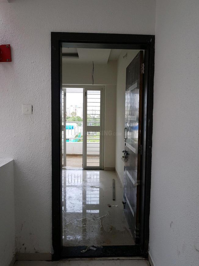 Main Entrance Image of 901 Sq.ft 2 BHK Apartment for buy in Wakad for 7000000
