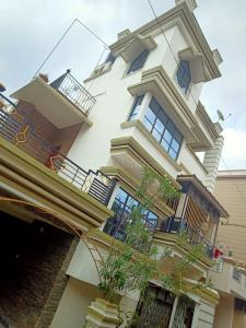 Gallery Cover Image of 3200 Sq.ft 8 BHK Independent House for buy in Purba Barisha for 12500000