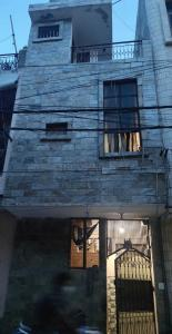 Gallery Cover Image of 380 Sq.ft 1 BHK Independent House for buy in Uttam Nagar for 4500000