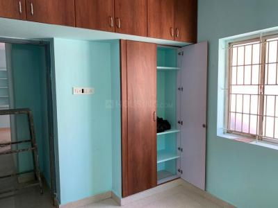Gallery Cover Image of 950 Sq.ft 2 BHK Apartment for rent in Chromepet for 18000
