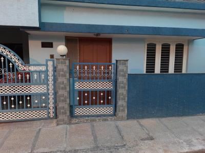 Gallery Cover Image of 1200 Sq.ft 2 BHK Independent House for rent in Subramanyapura for 14000