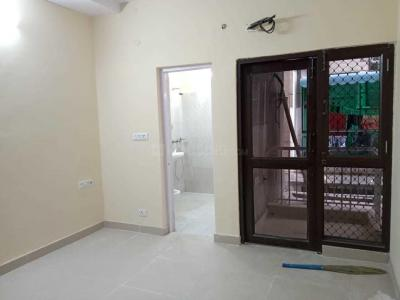 Gallery Cover Image of 1500 Sq.ft 3 BHK Apartment for rent in Vasant Kunj for 55000