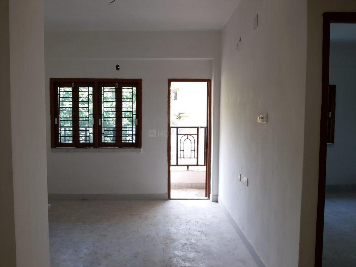 Living Room Image of 1015 Sq.ft 2 BHK Apartment for rent in South Dum Dum for 10000