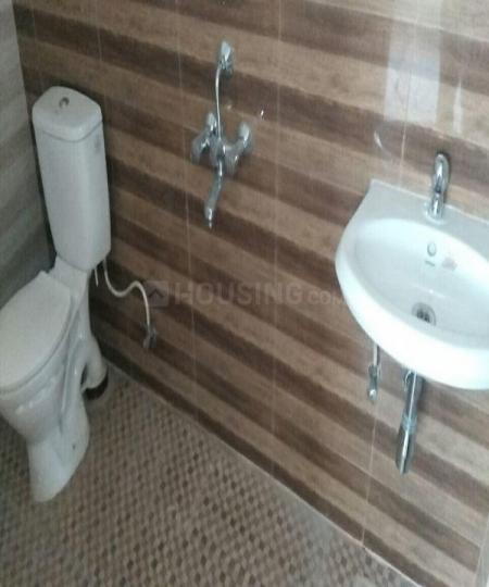 Common Bathroom Image of 1276 Sq.ft 2 BHK Apartment for rent in Perungalathur for 14700
