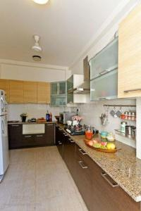 Gallery Cover Image of 2955 Sq.ft 4 BHK Apartment for rent in Purvanchal Royal Park, Sector 137 for 32000