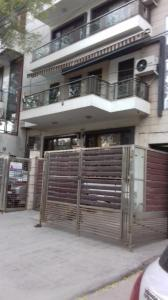 Gallery Cover Image of 2400 Sq.ft 3 BHK Independent Floor for rent in Anand Vihar for 35000