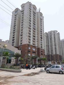 Gallery Cover Image of 915 Sq.ft 2 BHK Apartment for rent in Sector 78 for 22000