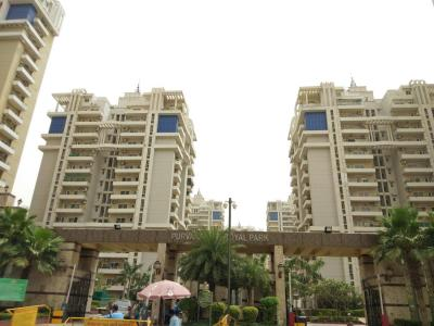 Gallery Cover Image of 1950 Sq.ft 3 BHK Apartment for rent in Sector 137 for 29000