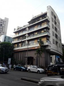Gallery Cover Image of 1800 Sq.ft 3 BHK Apartment for rent in Bandra West for 140000