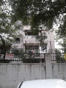 Gallery Cover Image of 1050 Sq.ft 2 BHK Apartment for rent in Sadar Apartments, Mayur Vihar Phase 1 for 26000