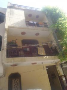 Gallery Cover Image of 450 Sq.ft 1 BHK Independent Floor for rent in New Ashok Nagar for 6500