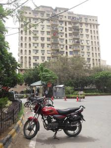 Gallery Cover Image of 1170 Sq.ft 3 BHK Apartment for rent in DLF Phase 4 for 42000