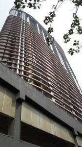 Gallery Cover Image of 1300 Sq.ft 2 BHK Apartment for buy in Lower Parel for 50000000