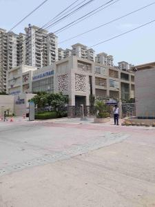 Gallery Cover Image of 1250 Sq.ft 2 BHK Apartment for rent in Mahagun Moderne, Sector 78 for 21500