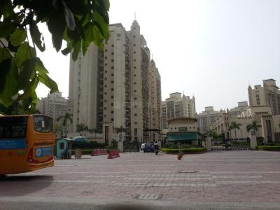 Gallery Cover Image of 2150 Sq.ft 3 BHK Apartment for rent in Chi IV Greater Noida for 21000