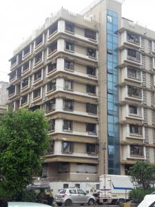 Gallery Cover Image of 390 Sq.ft 1 RK Apartment for rent in Andheri West for 25000