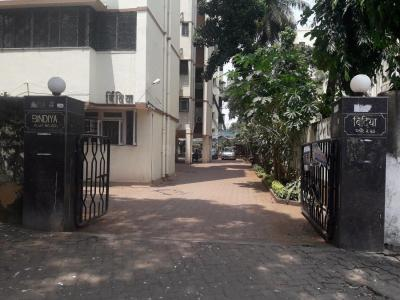 Gallery Cover Image of 1005 Sq.ft 2 BHK Apartment for rent in Bandra West for 70000