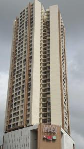 Gallery Cover Image of 1550 Sq.ft 3 BHK Apartment for rent in Borivali East for 40000