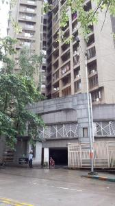 Gallery Cover Image of 970 Sq.ft 2 BHK Apartment for rent in Thane West for 26000