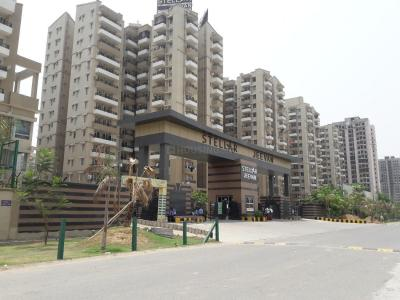 Gallery Cover Image of 2258 Sq.ft 4 BHK Apartment for rent in Noida Extension for 14000