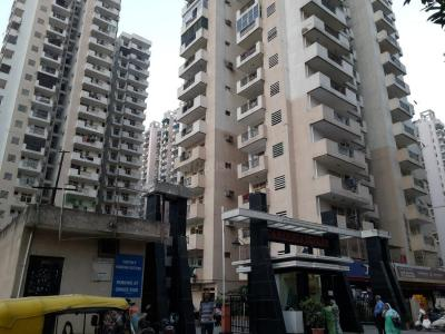Gallery Cover Image of 1675 Sq.ft 3 BHK Apartment for rent in Crossings Republik for 7000