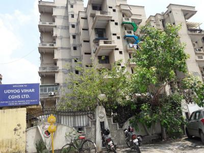 Gallery Cover Image of 1400 Sq.ft 3 BHK Apartment for rent in Sector 22 Dwarka for 30000
