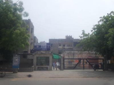 Gallery Cover Image of 740 Sq.ft 1 BHK Apartment for buy in Paryatan Vihar, Vasundhara Enclave for 5800000