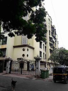 Gallery Cover Image of 570 Sq.ft 1 BHK Apartment for rent in Goregaon East for 30000