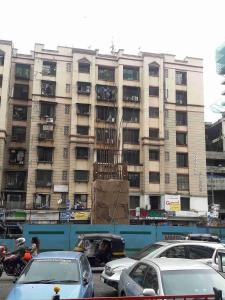 Gallery Cover Image of 700 Sq.ft 1 BHK Apartment for rent in Goregaon West for 26000