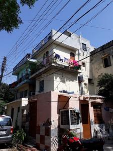 Gallery Cover Image of 650 Sq.ft 1 BHK Independent Floor for rent in Sector 36 for 11000