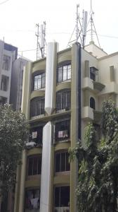 Gallery Cover Image of 800 Sq.ft 2 BHK Apartment for rent in Malad West for 32000