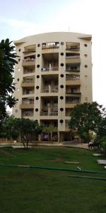 Gallery Cover Image of 1400 Sq.ft 3 BHK Apartment for rent in Dhanori for 20000