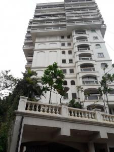 Gallery Cover Image of 5500 Sq.ft 5 BHK Apartment for buy in Khar West for 240000000